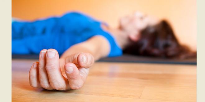 ریلکس شدن با حرکات یوگا