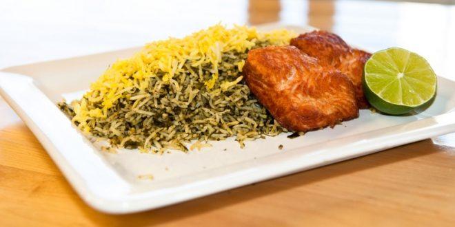 طرز تهیهسبزی پلو با ماهیشب عید