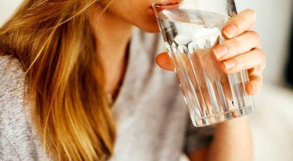 پاکسازی روده ها با مصرف زیاد آب