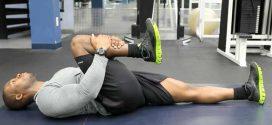 ۳ حرکت مناسب برای تقویت عضلات کمر